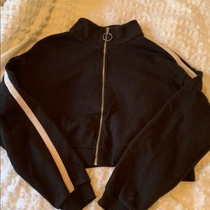 Cropped zip up